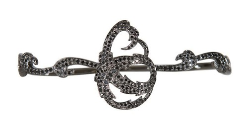 Black_diamond_hand_bracelet