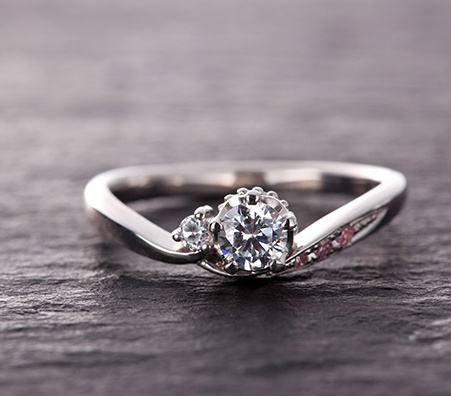 How to Sell A Diamond Ring