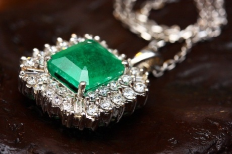 Sell Emerald Ring In New York