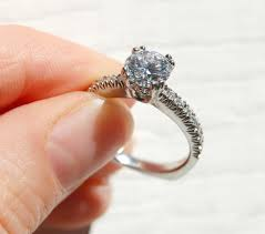 Sell your diamond ring clean