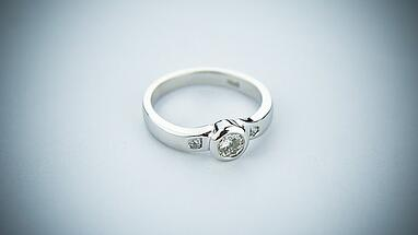 is white gold better for a wedding band than platinum?