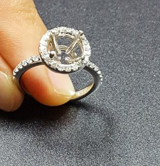 halo engagment ring setting for your diamond ring