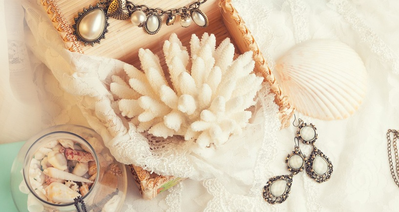 Antique_Jewelry.jpg