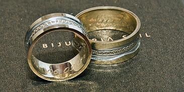 is platinum better for a wedding band than white gold?